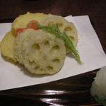 とんぼ - 玉ねぎとレンコンの天ぷら