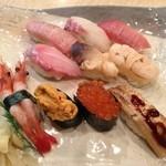 築地ビッグ寿司 - 【2012/12】金杯にぎり(2,700円)