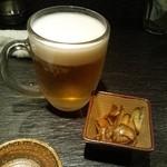 酒肴旬漁 狸穴 - 料理写真:生ピール(ASAHI)とこの日のお通し