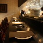 ワイン食堂 SABATORA - カウンターからどんどんリクエストしてください♪