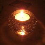 マディグーカフェ - テーブルの照明