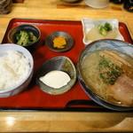 二代目ラーメン きはる - 日替わり定食750円 ※何か足りない?