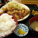 ばんちゃ屋 - チキンカツ定食(御飯中盛)