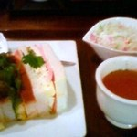 喫茶 神戸館 - フカフカのパンでハムサンドです