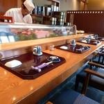 亀喜寿司 - 店内
