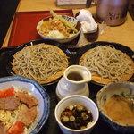 Sobadokorotogakushi - お試し2色そば、とろろ汁、あぶり鴨サラダ、いろいろ野菜揚げだし