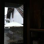 16498290 - 入り口のドアからの眺め