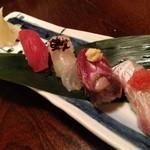 16498598 - お寿司五種盛り(680円)