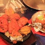 インド料理 GAUTAMA - 湯気が・・熱々タンドール料理 600円~