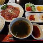 食道楽 - カルビランチ 950円