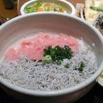 16502501 - 二色丼(しらす・ネギトロ丼)