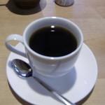 逃現郷 - セットのコーヒー