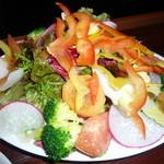 16506086 - 12種類の野菜サラダ