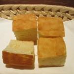 ハタケ青山 - 米粉のフォカッチャ