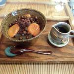 みつばち - 杏豆かん(小豆トッピング)