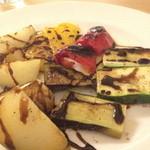 人形町ピザバル - 野菜の薪窯焼き