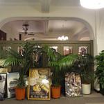 カフェドゥラプレス - 立て掛けられたパリの風景