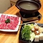 おいしゅうございます 北海道 - 寒い時期におススメ!ホエー鍋しゃぶしゃぶ★ホエーを使った出汁で道産豚肩ロース肉(ホエーを使うことによって肉の旨味が増し、とろける柔らかさに!)、野菜盛り合わせ、そして〆のラーメンを お召し上がり下さい!