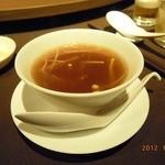 京鼎樓 - ぐるナイ「ゴチバトル」放送記念・ふかひれスープ