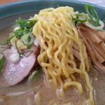 麺屋 彩未 - 麺のアップです(2012年12月)。