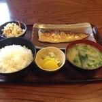 たつの家 - 焼魚定食(700円)