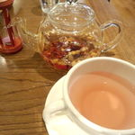 マンジェ・ラ・タルト - 美しい紅茶です