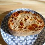 DEKO - 杏の天然酵母パン