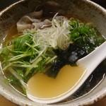 魯仁庵 - 黒豚ラーメン:800円