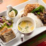 ミランダブルー - 選べる 週替わりランチプレート 4種類 ALL 1,000円(税込)週代わりのメインはミートかフィッシュを タパスとサラダ、スープも付いたワンプレートで
