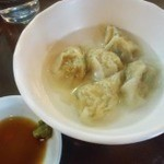 Itsupukuramen - 定食の水餃子