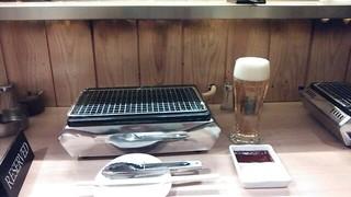 焼肉 くまちゃん - 一人焼肉ができるカウンター