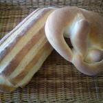 """銀亭 - 水を一切使わず低温殺菌したジャージ牛乳を使った""""ジャージーハース""""。とても香りのいいパンに焼き上がりましたよ。"""