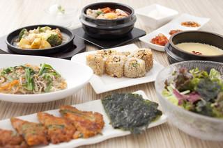 東京純豆腐 HEPナビオ店 - 夜は美味しいお酒と韓国テイストの一品料理がステキな時間を演出します。