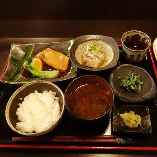 料理屋壱 - 日替りランチ900円豚の柔らか煮