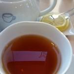 16546903 - 紅茶はポットで