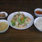 蘭華 - ランチセット(海の幸と青梗菜の炒め)