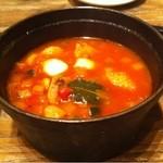 16550339 - モッツァレラと鶏モモ肉のトマトソース