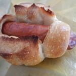 秀のパン工房 窯 - 別角度から