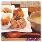 リッツン - 雑穀玄米のもっちりした食感は他では味わえない!りっつんのランチプレート。