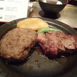 16554092 - 石焼ハーフステーキ&ハンバーグのアップ