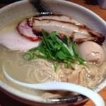 臥龍 - 肉麺  1200円