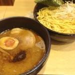 竹屋 - 調布「竹屋」にて濃厚味噌つけ麺。 連日となりました。 そんなに濃厚でもなかったなぁ、味噌が濃いってより味付けが濃いめって感じです。
