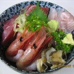 磯一 - 海鮮どんぶり  ネギトロ、アジ、マグロ、オゴ鯛、有頭大甘海老、ヤリイカ、カンパチ