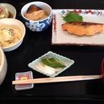 16560794 - 鮭の西京焼 ¥900