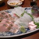 16560975 - 鰆の炙り、カワハギ、鯖