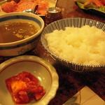 肉の森田屋 - ご飯はおかわり自由!スープ、キムチも付くよ(^.^)