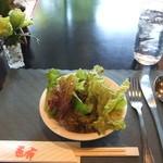 レストラン薔薇 - 2012/12/6 卓上の薔薇