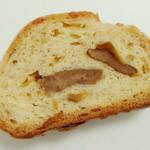 蔵 - 自家製酵母の和栗とナッツのシュトーレン<スライス>(反対面、2012年12月)
