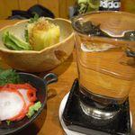 太助 - ばくれん超辛口[650円]、お通し(酢蛸)[400円]、白菜漬[400円]