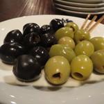 ワイン屋バール - 黒オリーブ、グリーンオリーブ
